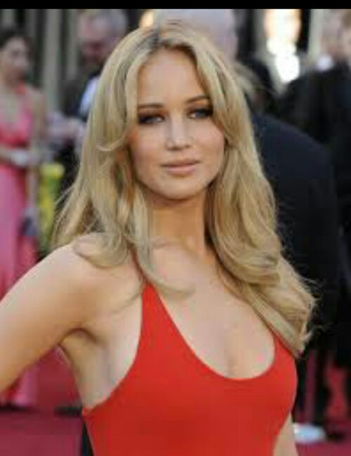 jennifer lawrence cut her hair and surprise she�s still